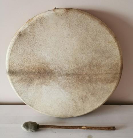 Шаманский бубен без рисунка. Стоимость - 365 BYN (135 EUR)