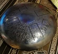 Хэппи-драм (глюкофон) на 8 язычков кованый с гравировкой.  ЦЕНА - 300 BYN